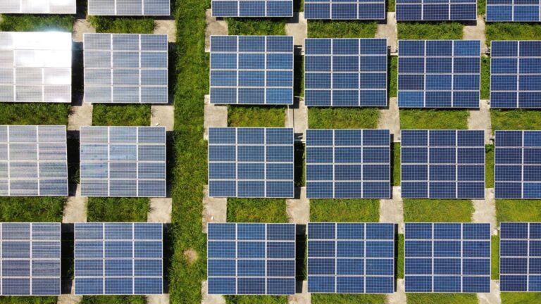 Fortalezas de paneles solares