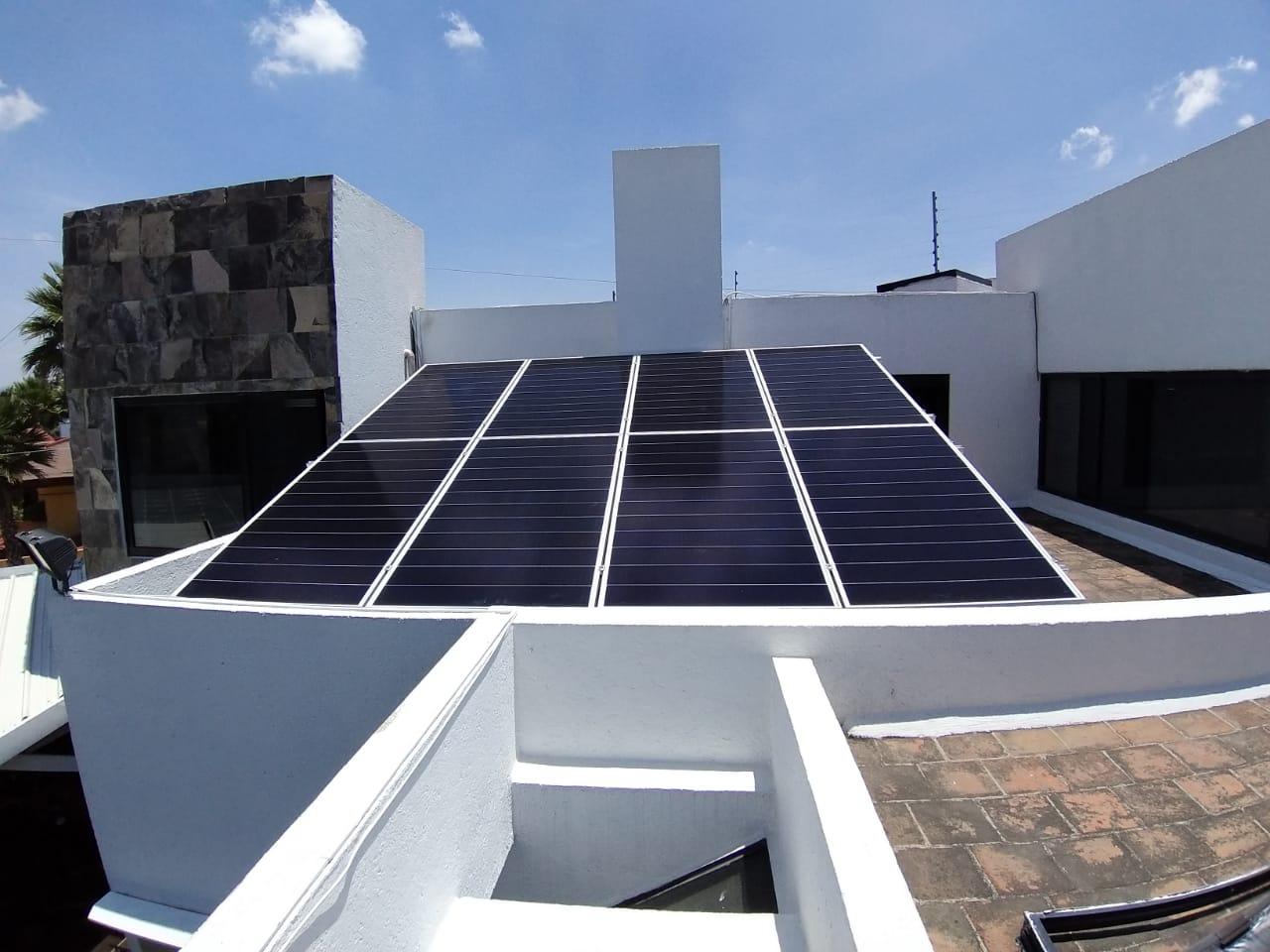 Sistema de Paneles Solares sobre Azotea en Puebla Mexico